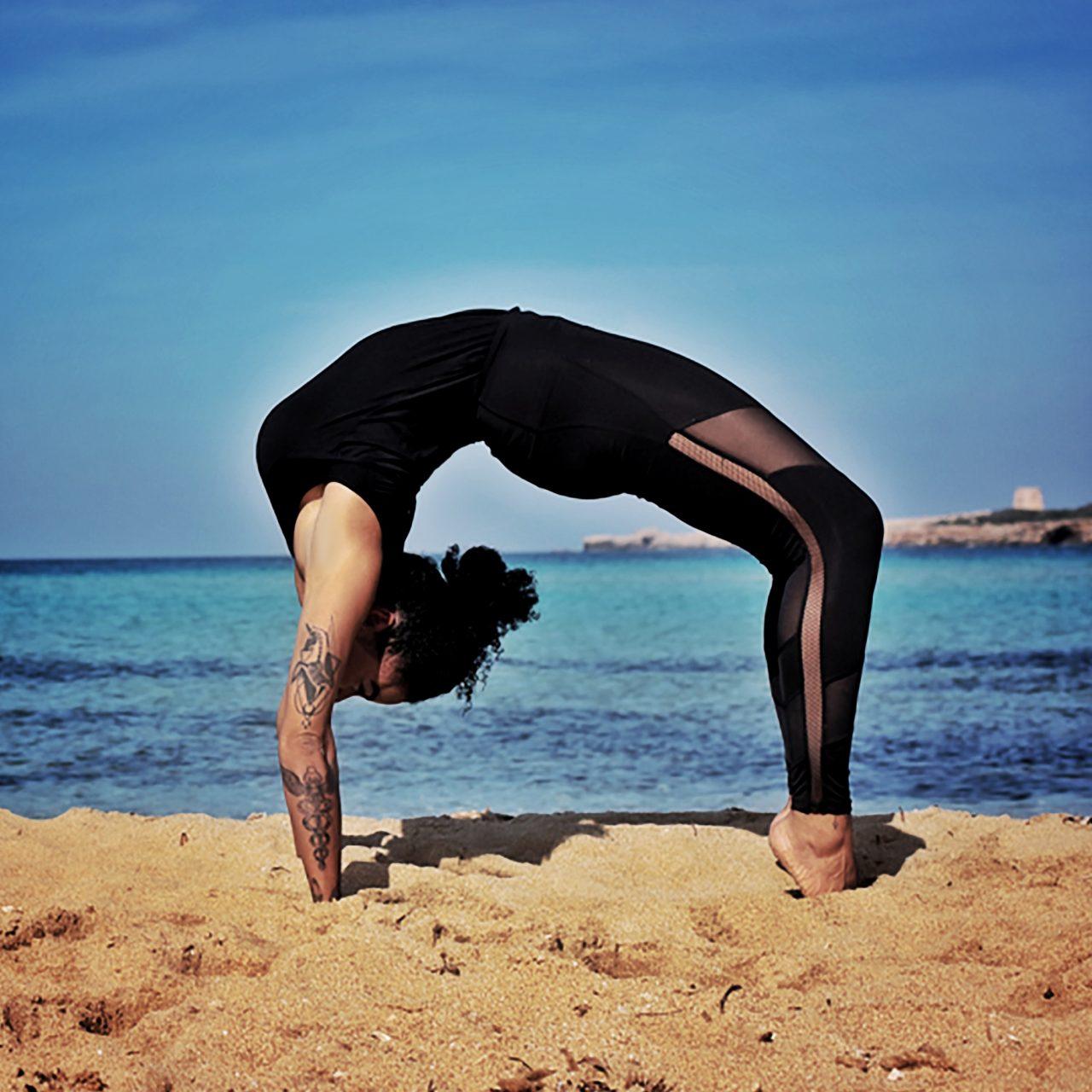 Aïsha Zafirah Yoga Backbend